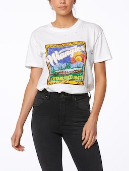 Wrangler Looking Out Tee In White