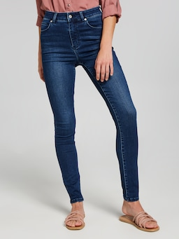 Amaze Extra High Rise Skinny Tall Jean