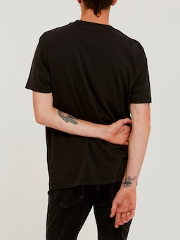 Lee Lines Tee In Washed Black